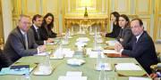 Le président de Google, Eric Schmidt (à gauche),... (PHOTO RÉMY DE LA MAUVINIÈRE, AP) - image 2.0