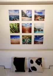 Des photos flottantes sur plexiglas composent une installation... (Le Soleil, Yan Doublet) - image 2.0