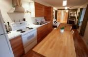 La cuisine et le salon composent une seule... (Le Soleil, Yan Doublet) - image 3.0