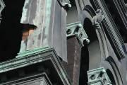 Des feuilles de cuivre se détachent du clocher... (Photo: Stéphane Lessard) - image 1.0