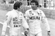 Gilles Villeneuve (à gauche) et Mario Andretti.
