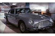 L'Aston Martin DB5 originale, utilisée par James Bond dans le film Goldeneye, en 1964.