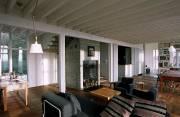 Au plafond, les poutres de bois blanc donnent... (Photo Benoît Lafrance) - image 1.1