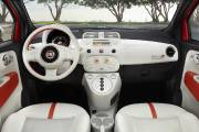 L'intérieur de la Fiat 500e.