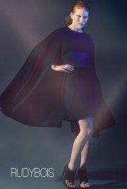 La robe-cape est la pièce maîtresse de la... (Photo fournie par Rudy Bois) - image 1.0
