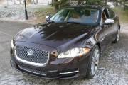 Le nouveau V6 de la Jaguar XJ produit 340 chevaux grâce au compresseur mécanique.