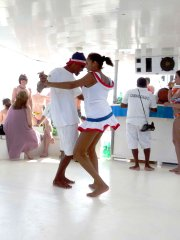 Excursion en catamaran : il faut aimer l'ambiance... (Anne Pélouas, collaboration spéciale) - image 2.0