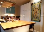 Sur un mur de la cuisine, une fausse... (Le Soleil, Yan Doublet) - image 2.1