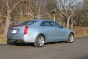 À l'arrière, le coffre à bagages de l'ATS de Cadillac voit son volume limité à 290 litres.