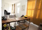 Danielle Paulin a acheté cette table d'allure rustique,... (Le Soleil, Caroline Grégoire) - image 2.1