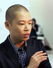 Le couturier Jason Wu... (Photo AFP) - image 2.0