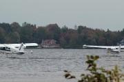Deux hydravions décollant au lac à la Tortue.... (Photo: Sylvain Mayer) - image 2.0