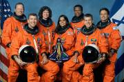 Au premier rang, Rick D. Husband, Kalpana Chawla... (Photo archives AP) - image 1.0