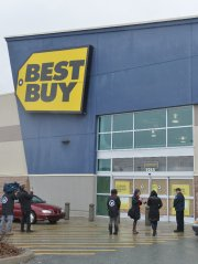 Le magasin grande surface Best Buy du Plateau... (Imacom, Maxime Picard) - image 1.0