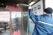 En matinée, des employés ont trouvé la porte... (Photo tirée d'une vidéo, Patrick Sanfaçon La Presse) - image 1.0