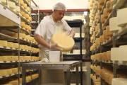 La laiterie Charlevoix, où est fabriqué le fromage... (Photo d'archives Martin Chamberland, La Presse) - image 2.0