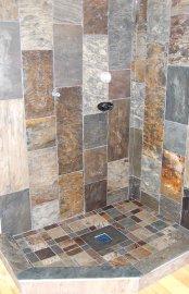 Cette douche a été réalisée avec des plaques... (Photo L'Ardoisière) - image 2.0