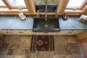 Petit luxe dans la salle de lavage: un... (PHOTO OLIVIER PONTBRIAND, LA PRESSE) - image 2.0