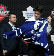 Les Maple Leafs ont fait de l'imposant attaquant... (Associated Press) - image 4.0