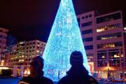 Illumination du sapin de Quebecadabra pour Noël 2012... (Photothèque Le Soleil, Pascal Ratthé) - image 3.0