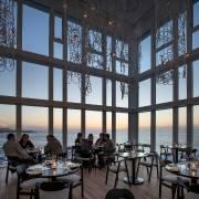 Le restaurant de l'hôtel Fogo Island Inn où... (PHOTO ALEX FRADKIN, FOURNIE PAR LA FONDATION SHOREFAST) - image 2.0