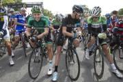 David Veilleux (en vert)et Chris Froome (en noir).... (PHOTO ROBERT KINNER, LA PRESSE) - image 2.0