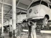Le VW Transporter de première génération (1950-1967) assemblé... (Photo fournie par Volkswagen) - image 2.0