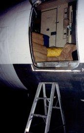 En ouvrant la porte de l'appareil, les enquêteurs... (Photo Serge Paquet, archives La Presse) - image 2.0