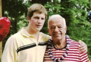 Blake et son grand-père Bernard «Boom Boom» Geoffrion.... (Photo fournie par Danny Geoffrion) - image 7.0