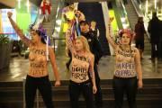 Les Femen ont encore frappé. Cette fois-ci, c'est... (Photo David Boily, La Presse) - image 1.0