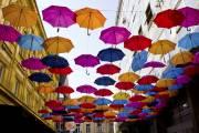Des parapluies recouvrent la terrasse du QP Lounge,... (Photo Audrey Bourget, La Presse) - image 2.0