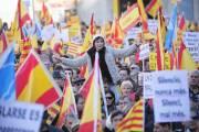 Des opposants au projet d'indépendance de la Catalogne... (PHOTO JOSEP LAGO, AFP) - image 2.0