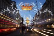 Les rues du centre de Londres sont décorées... (Photo Leon Neal, AFP) - image 2.0
