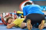 Blessé au dos, Vasek Pospisil a dû recevoir... (Photo Paul Crock, AFP) - image 2.0