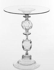 Cette table d'appoint a été conçue par Tat... (PHOTO FOURNIE PAR TAT CHAO) - image 1.0