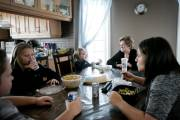 La famille Roy/Rocco dans son quotidien.... (PHOTO MARCO CAMPANOZZI, LA PRESSE) - image 2.0