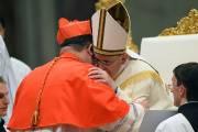 Mgr Gérald Cyprien Lacroix etle pape François.... (PHOTO VINCENZO PINTO, AFP) - image 1.0