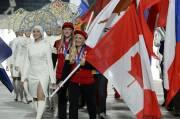 Kaillie Humphries et Heather Moyse ont porté le... (PHOTO PETER PARKS, AFP) - image 1.0