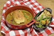 Quenelle de brochet en sauce Nantua, un plat... (PHOTO PASCAL RATTHÉ, LE SOLEIL) - image 3.0
