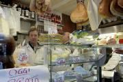 Dans la minuscule fromagerie La Baita, dans San... (Photo Marie-Christine Blais, La Presse) - image 1.0