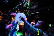 Dans ce bar du sud de Londres, les basses résonnent et... (PHOTO LEON NEAL, AFP) - image 2.0