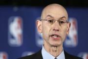 Le commissaire de la NBA Adam Silver... (Archives AP) - image 2.0