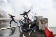 À Istanbul, la police a dispersé en début... (PHOTO GURCAN OZTURK, AFP) - image 2.0