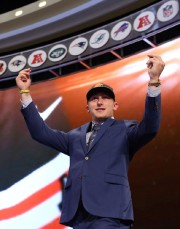 Johnny Manziel... (Photo Adam Hunger, USA Today) - image 2.0
