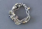 Bracelet Sacramento Pyrite, verre, bois, aluminium, bagues vintage... (PHOTO ALAIN ROBERGE, LA PRESSE) - image 3.0