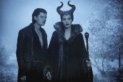Sam Riley et Angelina Jolie dans Maleficent.... (Photo: fournie par Disney) - image 2.0