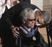 Le 15 février 2011, Maya Angelou avait reçu... (Photo Pablo Martinez Monsivais, AP) - image 1.0