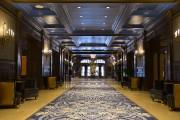 Le hall, vu de l'entrée du restaurant Le... (Le Soleil, Yan Doublet) - image 2.0