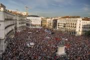 «L'Espagne, demain, sera républicaine !», hurlaient lundi soir... (Photo Andres Kudacki, AP) - image 1.0