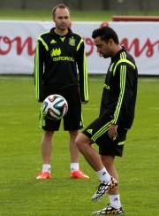 Andrés Iniesta et Xavi Hernandez... (Photo Henry Romero, Reuters) - image 2.0
